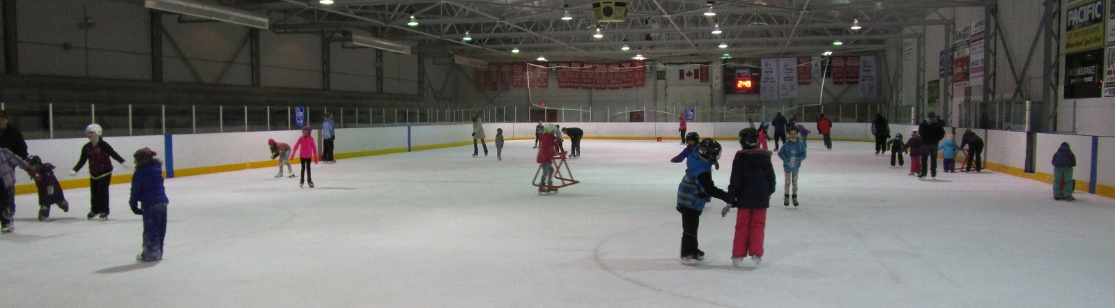 Photo of public skating at Wiarton arena